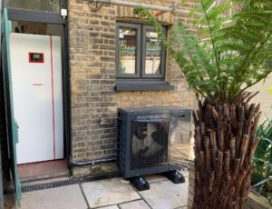 conpact heat pump for small houses