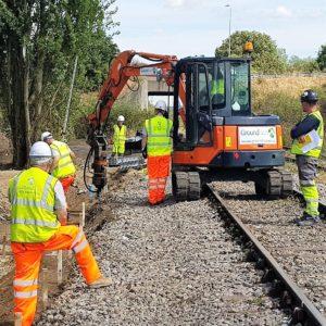 Rail, instant foundation screw pile foundations - square